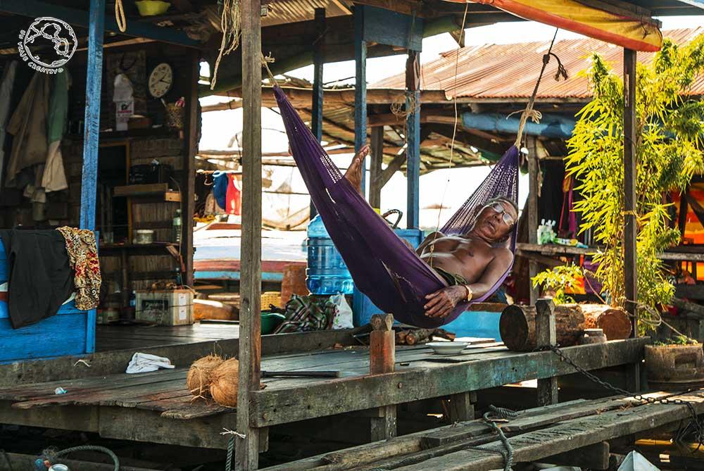 Durmiendo en Kompong Luong