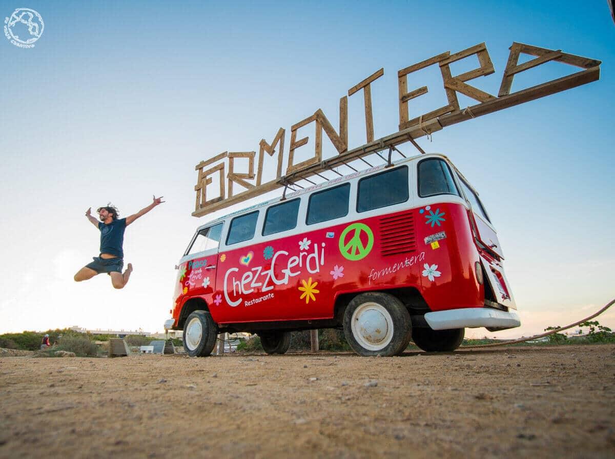 Furgoneta cartel de Formentera