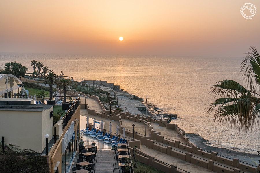 Marina Hotel Corinthia beach
