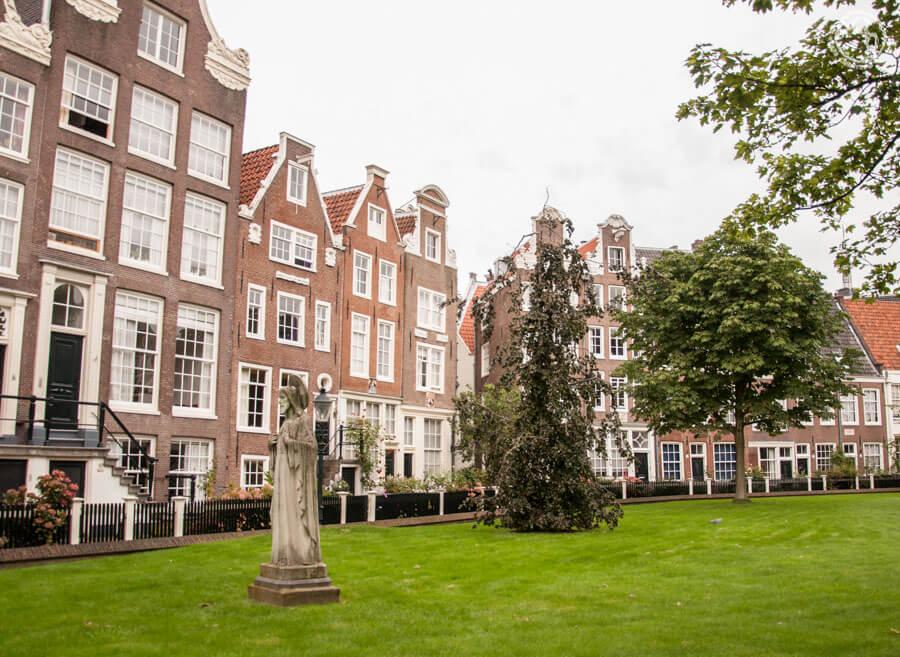 Begjinhoff en Amsterdam