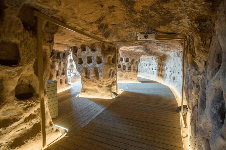 La Cueva de los cien pilares en Arnedo