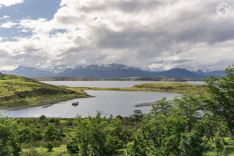 Isla Navarino, frente a Isla Grande de Tierra del Fuego