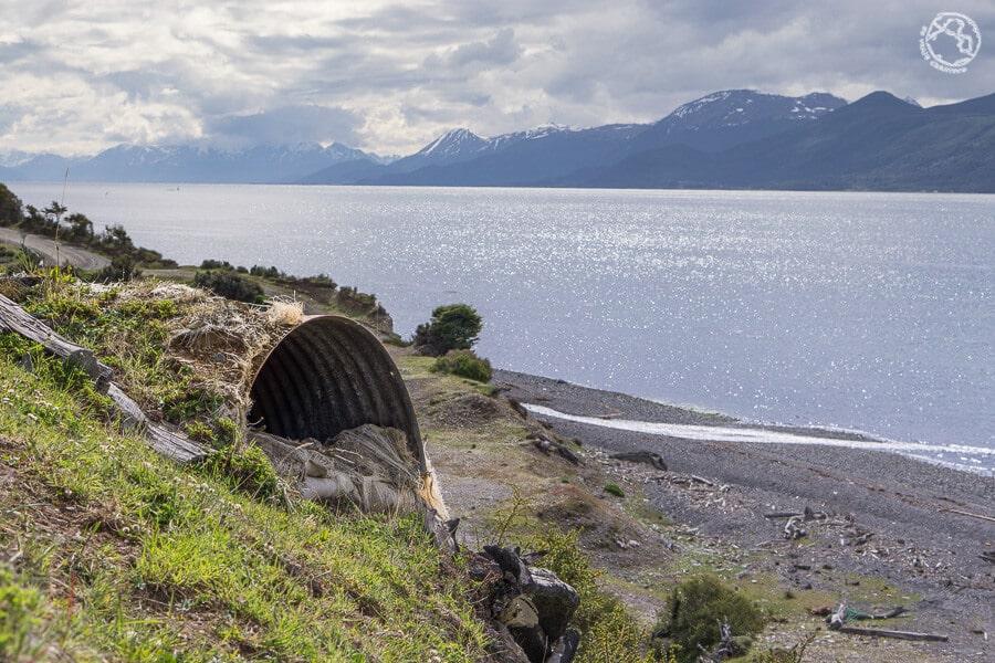 Trinchera en la isla de Navarino, Chile