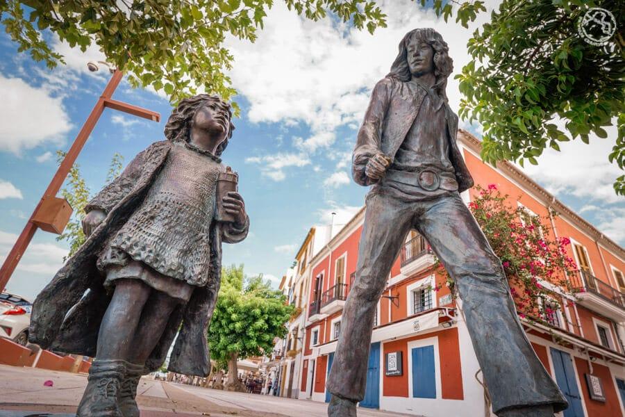 Estatua Hippies de Ibiza