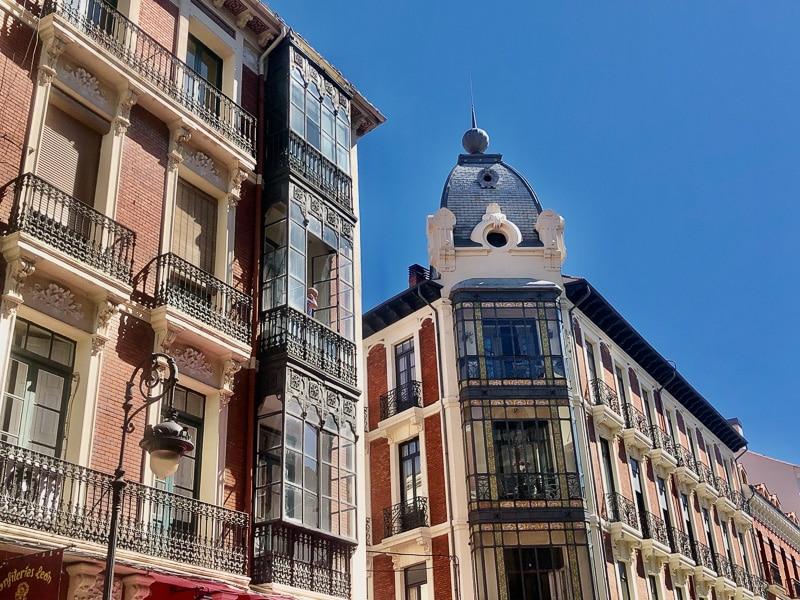 León Casa Botines Gaudí