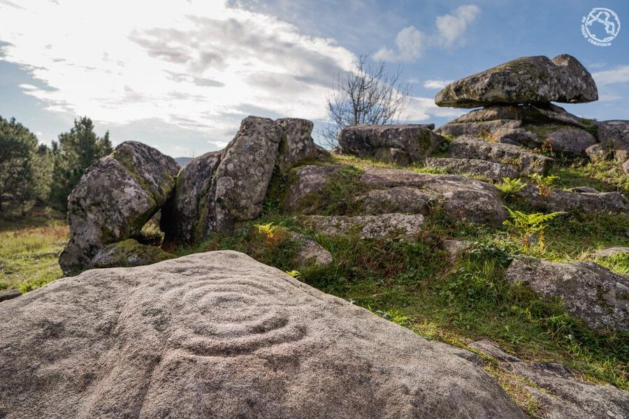 que ver en el Campo Lameiro parque arqueológico de petroglifos