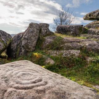 Campo Lameiro petroglifos parque arqueológico