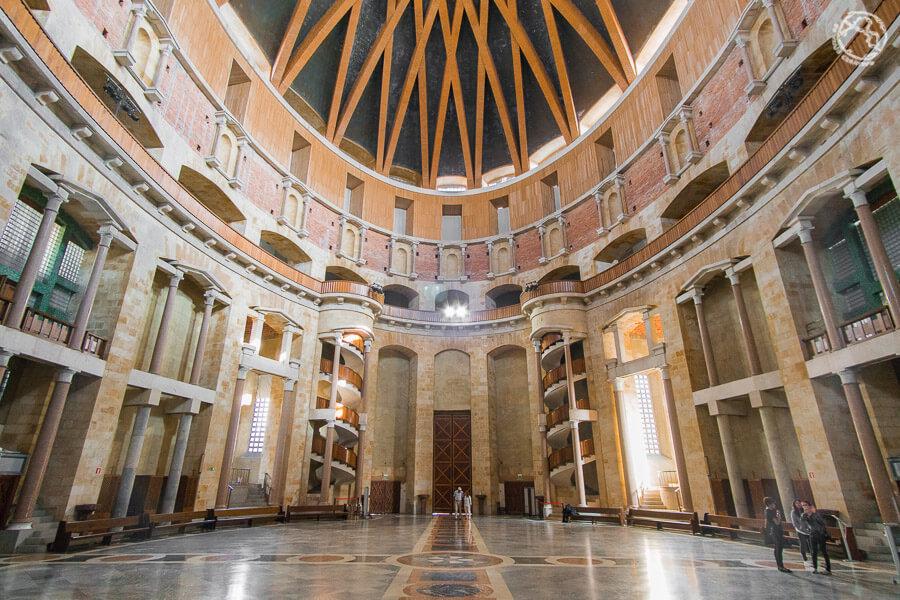 edificio elíptico más grande el mundo