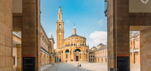 Universidad Laboral de Gijón ciudad de la Cultura visita